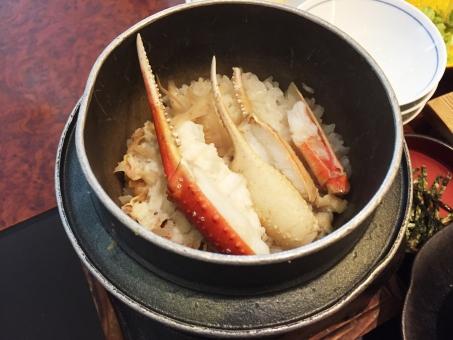 カニの炊き込みご飯